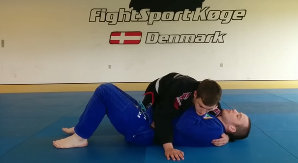 Video: Learn how to escape side control to a single leg with Oliver Geddes