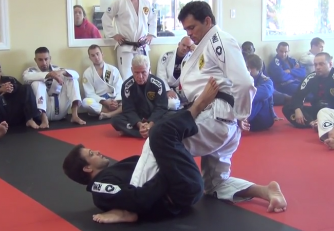 Video: Robson Moura teaches a sweep from x-guard to an armbar submission