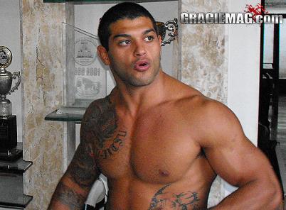 A luta na academia Carlson Gracie que mudou a carreira de Ricardo Arona