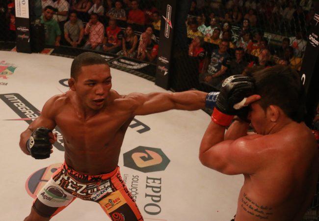 Katchal nocauteia Rayner Silva e é o novo campeão do Jungle Fight