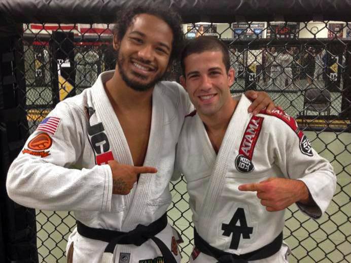 Tanquinho afia o Jiu-Jitsu de Ben Henderson e treina MMA com a fera. Foto: Divulgação