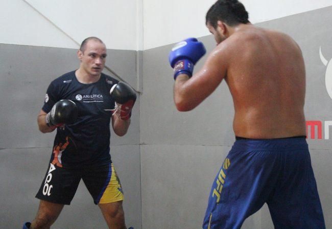 """Do basquete ao UFC: A trajetória de Vitor Miranda, finalista do """"TUF Brasil 3"""""""