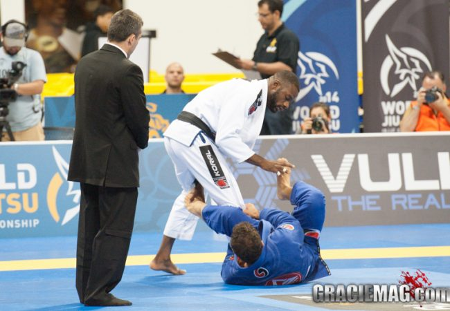 Alan Finfou one step closer to training again after 2014 Worlds neck injury