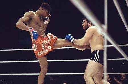 Jiu-Jitsu: Remember the technical armbar by Alistair Overeem in MMA