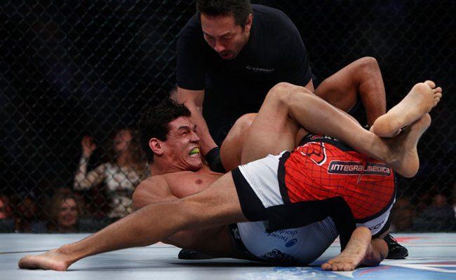 Vídeo: A finalização relâmpago de Cezar Mutante em Thiago Marreta no UFC