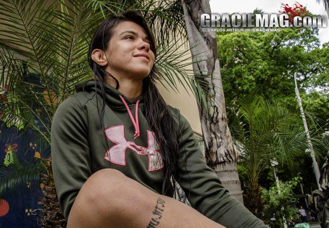 Claudinha Gadelha fala da expectativa de inaugurar o peso-palha do UFC