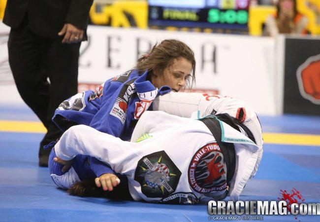 Jiu-Jitsu: Michelle Nicolini comenta título no Mundial e planos para MMA