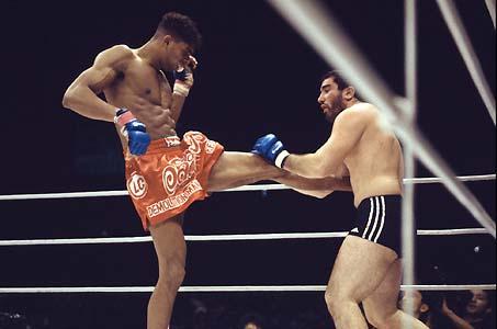 Jiu-Jitsu: O técnico armlock do magrinho Alistair Overeem no MMA