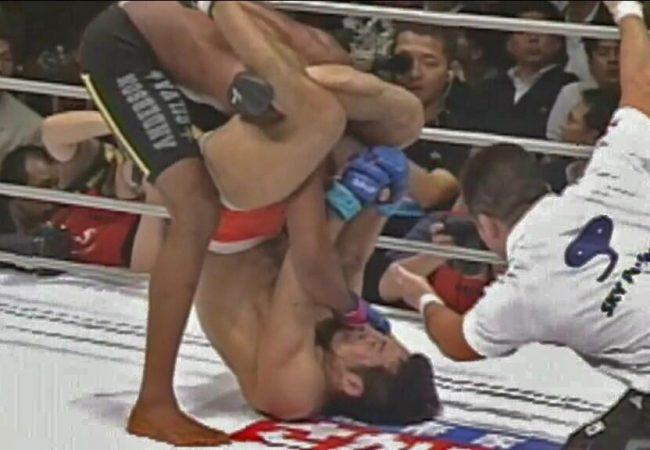 Vídeo: Relembre o triângulo que finalizou Anderson Silva no MMA