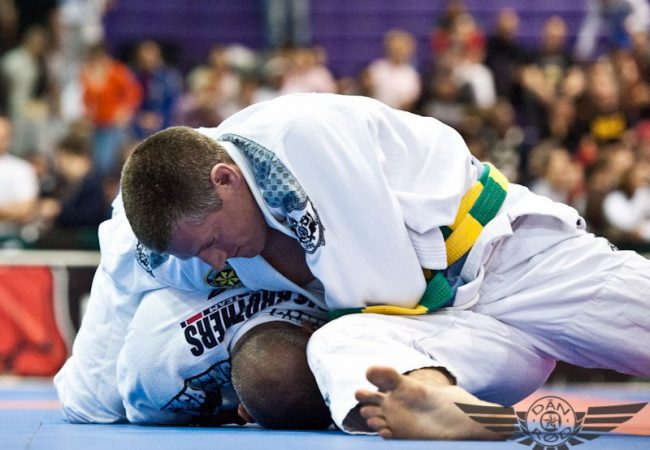 Video: Learn how to use the clock choke in Jiu-Jitsu