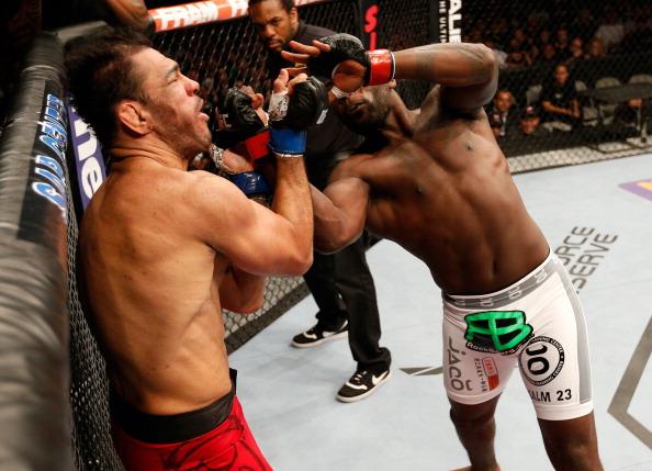 Vídeo: Reveja o castigo de Anthony Johnson sobre Minotouro no UFC