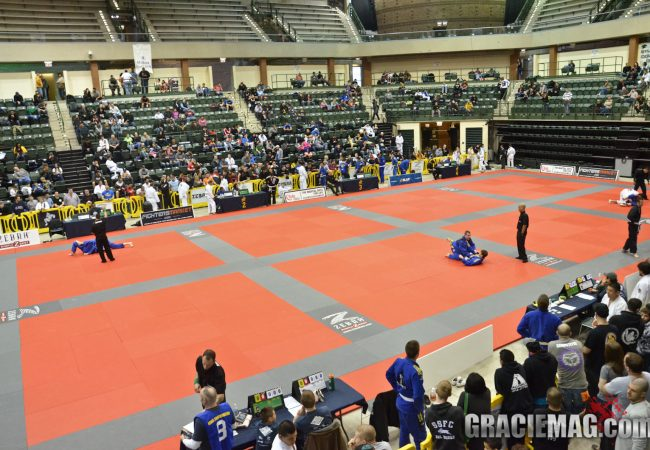 Chicago: Enter the divisions at IBJJF Chicago Summer Open during last week to register