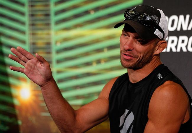 Vídeo: Reveja a canelada de Donald Cerrone que despachou Jim Miller no UFC