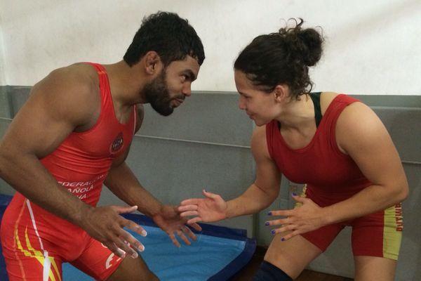 UFC: Hugo Wolverine luta no mesmo dia em que a namorada dura na queda