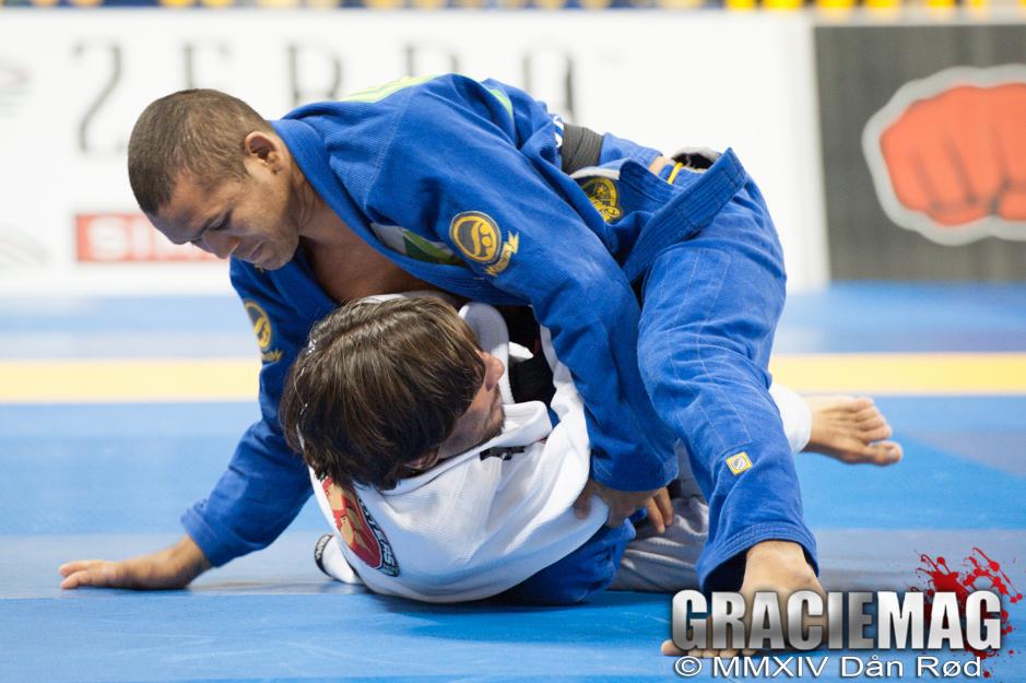 Ivaniel Oliveira em ação no Jiu-Jitsu. Foto: Ivan Trindade/GRACIEMAG