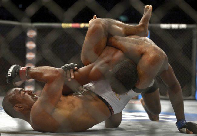 UFC: Estude o triângulo com a finalização de Serginho Moraes