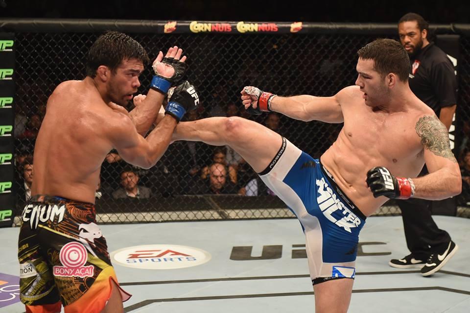 Weidman controlou o combate e defendeu o cinturão peso médio. Foto: UFC