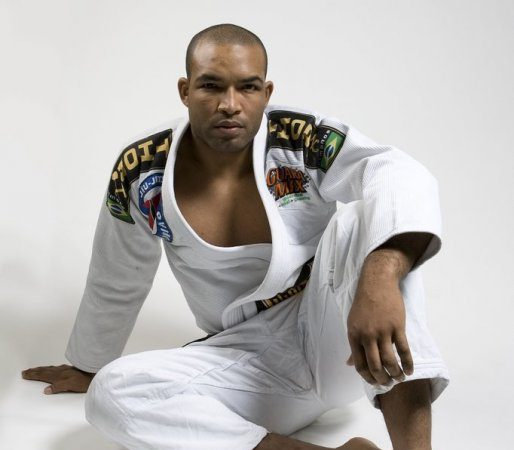 Exclusive video: Learn Bruno Bastos's butterfly sweep