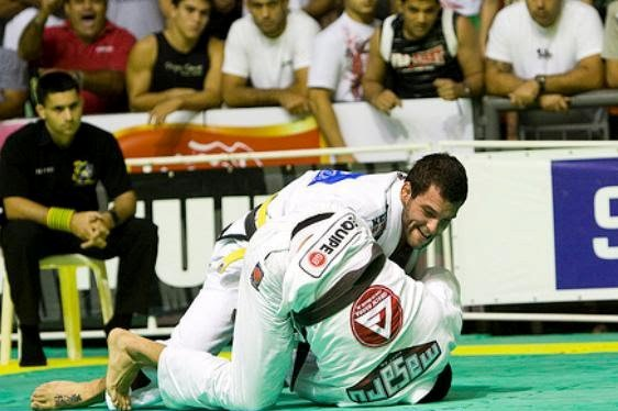 Jiu-Jitsu: Uma aula de giro para assombrar o passador, com Guga Campos