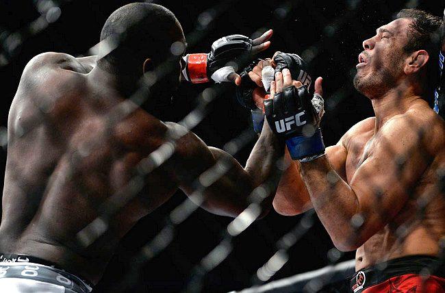 UFC: Os melhores lances de Lawler x Brown e Johnson x Minotouro, em câmera lenta