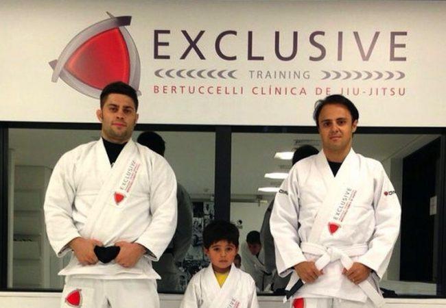 Confira o treininho de Jiu-Jitsu do piloto Felipe Massa com seu filhote