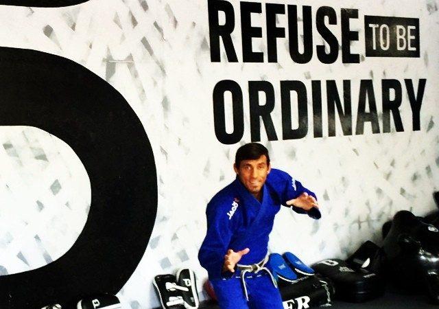 Finte a passagem de guarda no Jiu-Jitsu e asfixie, com Alexandre Pulga