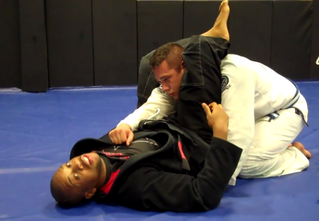 Video: Kenny Brown shows a fatboy variation of the triangle for those with bigger legs