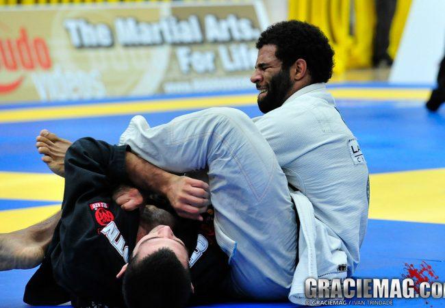 O estrangulamento de Vitor Oliveira em Caio Terra no Chicago Open de Jiu-Jitsu