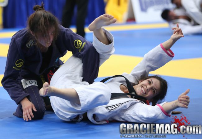 Watch Mackenzie Dern's submission for the gold medal in Carson
