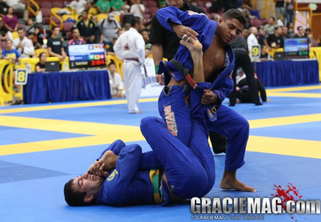Watch JT Torres' awesome clock choke that earned him gold in Carson