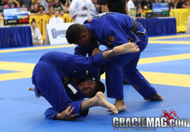 Exclusive: JT Torres teaches clock choke he used to win at the 2014 American Nationals
