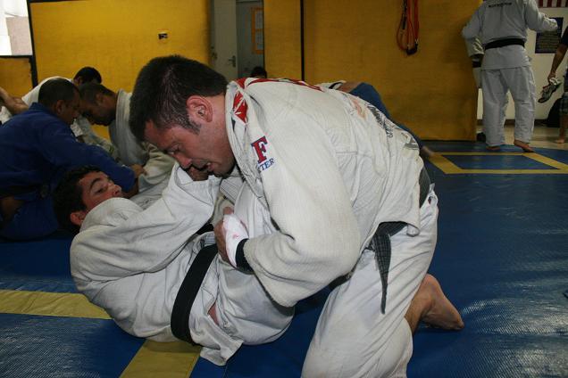Marcos Parrumpinha em treino de Jiu-Jitsu.