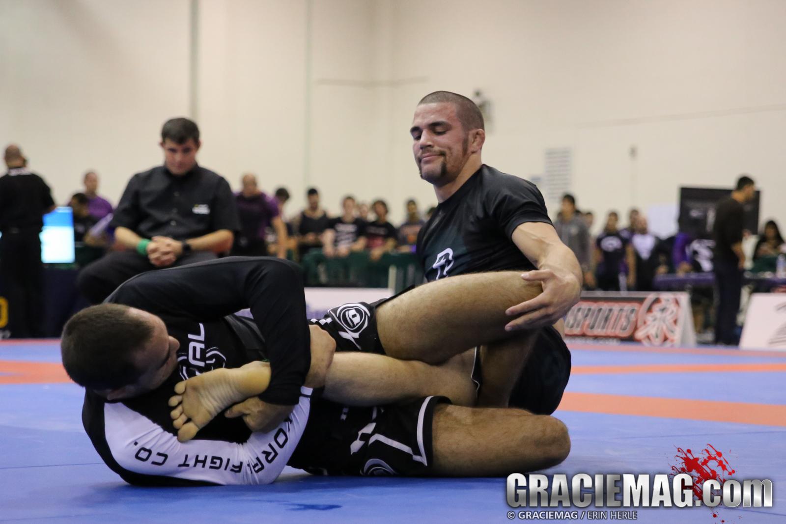 Rodrigo Freitas against Garry Tonon in the light final. Photo: Erin Herle