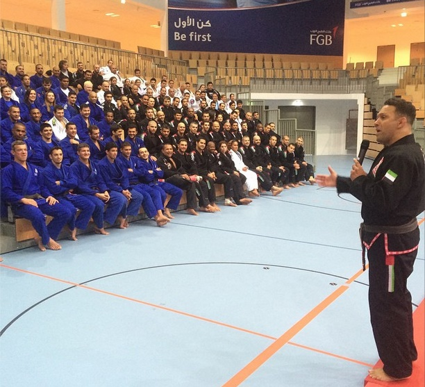 Renzo palestra para os professores de Jiu-Jitsu em Abu Dhabi. Foto: Arquivo Pessoal