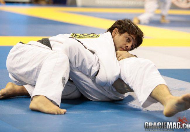 Jiu-Jitsu: aprenda a pegada de costas de Robson Moura