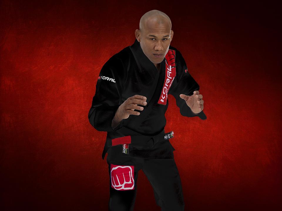 Ronaldo Jacare astro do UFC com kimono novo