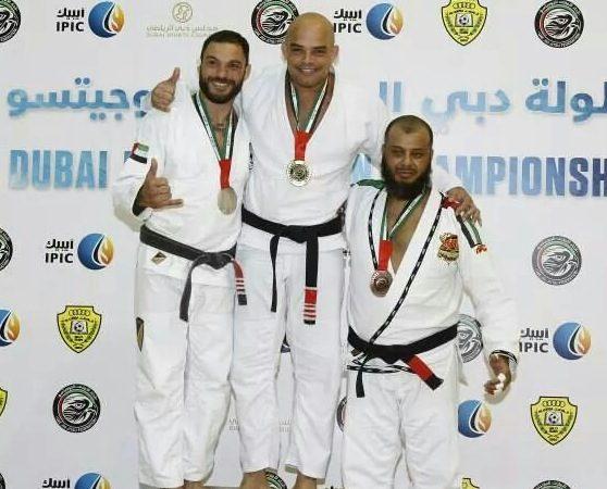 Professor retorna às competições após 7 anos e vence em Dubai