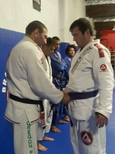 Chael Sonnen recebe faixa-roxa de Jiu-Jitsu e pode pintar em torneio da IBJJF