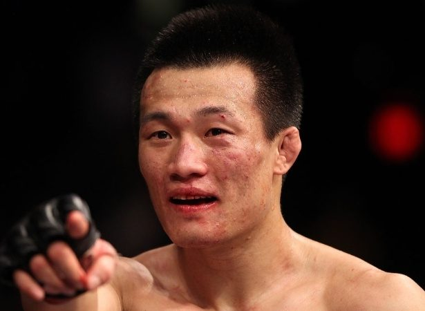 Zumbi Coreano derruba Renato Moicano rápido na luta principal do UFC Greenville