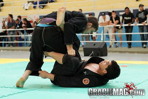 Estude Jiu-Jitsu: fintando a raspagem para finalizar no armlock