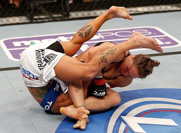 Mulheres no poder: 5 grandes vitórias femininas pelo cinturão do UFC
