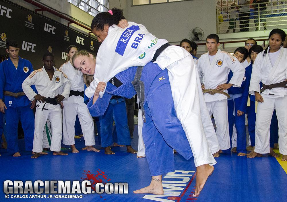 Ronda, campeão do UFC e ex-atleta do judô, quer tentar a sorte no Jiu-JItsu. Foto: Carlos Arthur Jr./GRACIEMAG