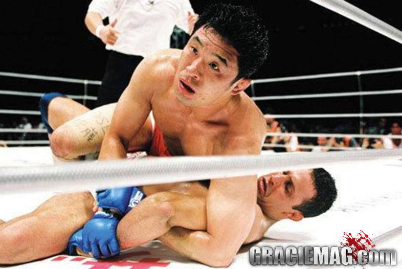 Sakuraba was able to submit Renzo in Japan, at Pride 10, in 2000. Photo: GRACIEMAG archives