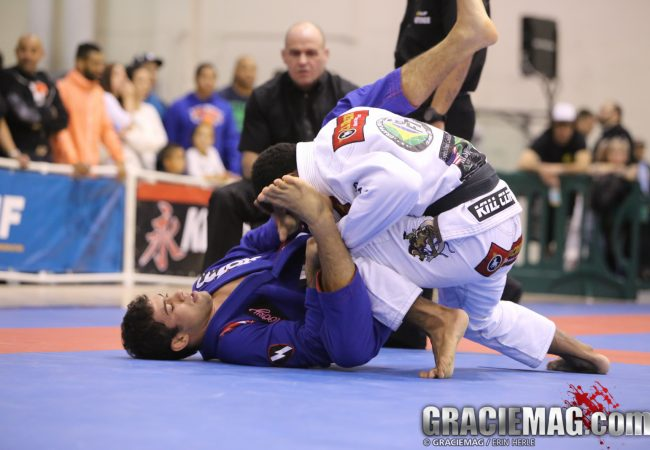 BJJ Pro New York: watch Otavio Sousa vs. Vitor Oliveira in the middleweigh division