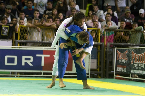 Black Belt World Champion Bia Mesquita competing in Jiu-Jitsu. Photo: GRACIEMAG