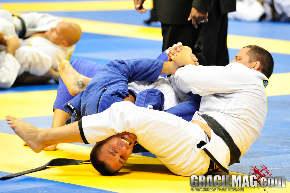 Saulo Ribeiro finishing with an armlock during the 2013 Worlds Masters