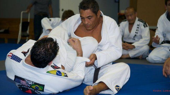 Aprenda de vez a escapar da montada no Jiu-Jitsu, com Rickson Gracie