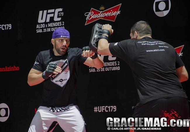 Glover Teixeira encara Rashad Evans na luta principal do UFC em Porto Alegre