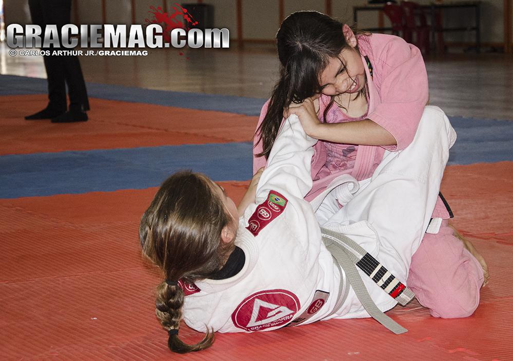 As meninas também não deram moleza no Jiu-Jitsu. Foto: Carlos ArthurJr./GRACIEMAG