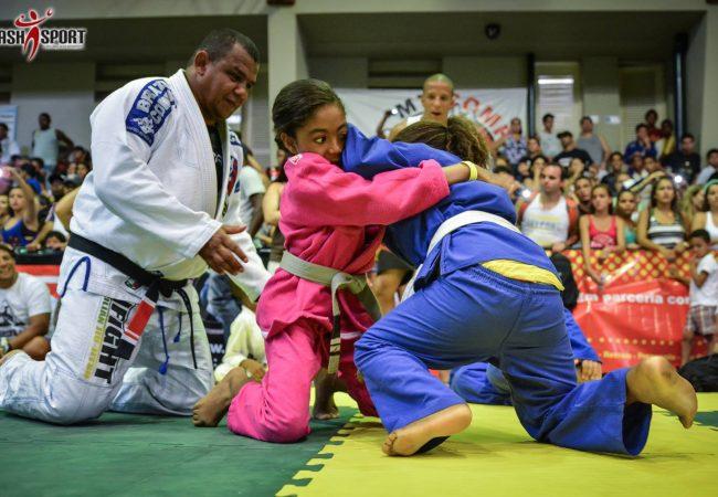 Copa Alfabarra reúne guerreiros e realiza festival infantil de Jiu-Jitsu